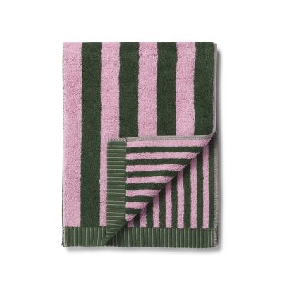 kaksi-raitaa-pyyhe-50x100-vihreaepunainen