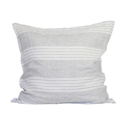angelo-tyynynpaeaellinen-65x65-harmaavalkea