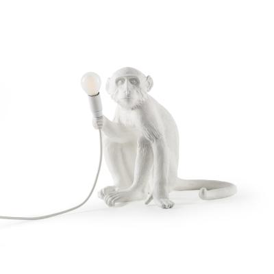 monkey-lamppu-istuva