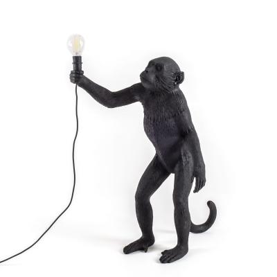 monkey-lamppu-seisova-ulkokaeyttoeoen