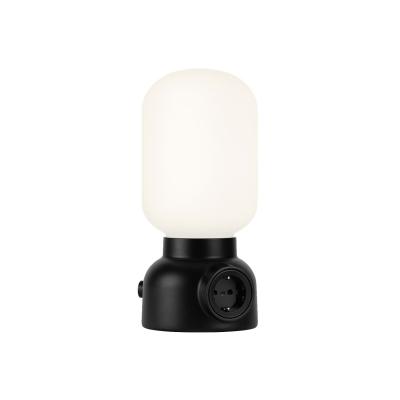 plug-lamp-poeytaevalaisin-musta