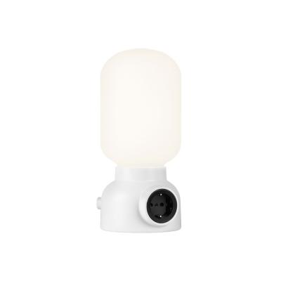 plug-lamp-poeytaevalaisin-valkoinen