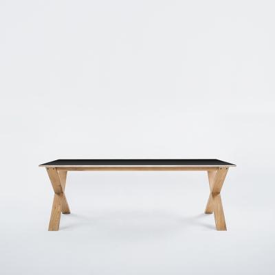 arc-table-220-musta