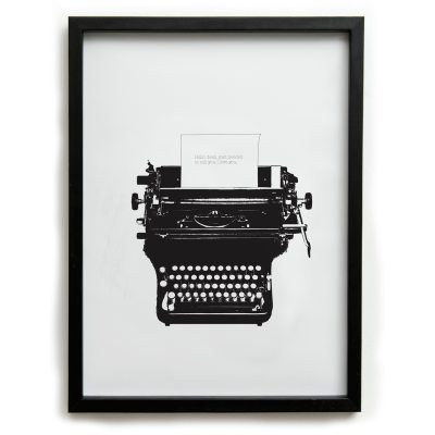typed-love-big-juliste